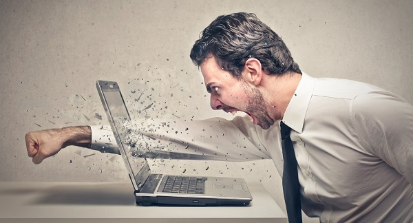 Un cambio en el comportamiento y en el estado de ánimo puede ser una característica de quienes padecen Burnout.