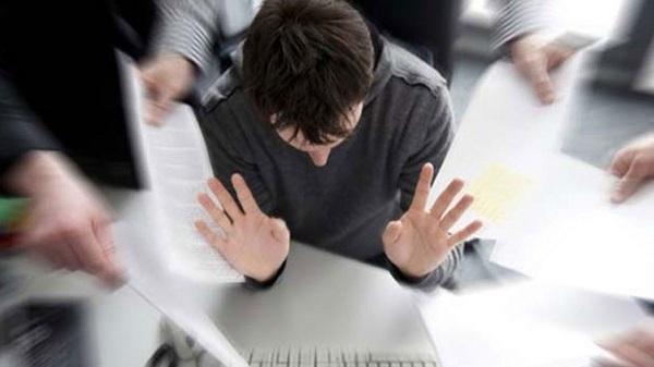 Hay que tener cuidado de no confundir los síntomas del Burnout con simples cuadros de estrés laboral.