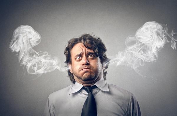 Este síndrome puede acompañarse de otros malestares como problemas gastrointestinales, cardiovasculares, dolores de cabeza, alteraciones de sueño, etc.