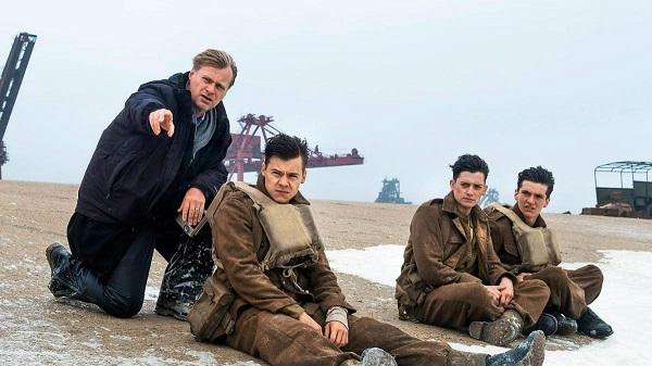 Harry Styles, Aneurin Barnard y Fionn Whitehead reciben instrucciones del director Christopher Nolan.