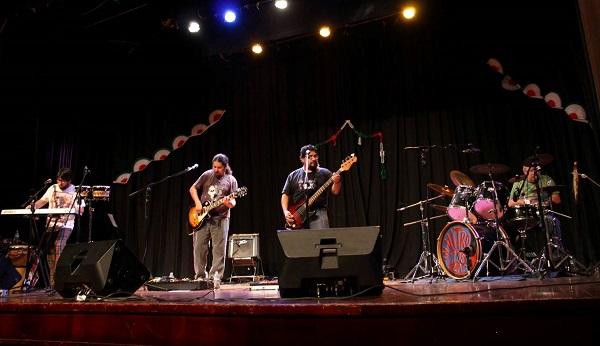La banda calcula haber realizado unas 600 presentaciones en concierto en estos 15 años de trayectoria.