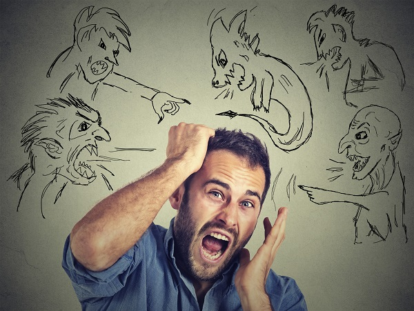 La mente humana puede disfrazar nuestros sentimientos y colocarlos como cosas o situaciones aparentemente amenazantes, sin que lo sean.