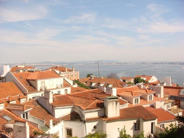 Vista Parcial de Lisboa y el Río Tajo desde el Castillo de San Jorge.