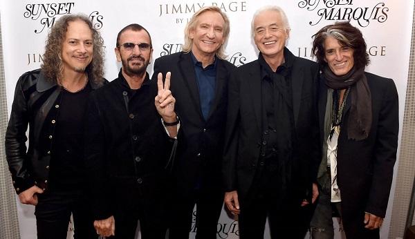 Jimmy Page durante el lanzamiento de su libro, evento al que acudieron varios de sus amigos: Kirk Hammett, Ringo Starr, Joe Walsh y Joe Perry.