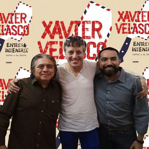 """El autor, Xavier Velasco, flanqueado por nuestro gurú musical Ricardo Pat y el director Isaías """"Spielberg"""" Solís. No se pierdan la entrevista que le hicieron durante la pasada FILEY, próximamente en #Xook."""