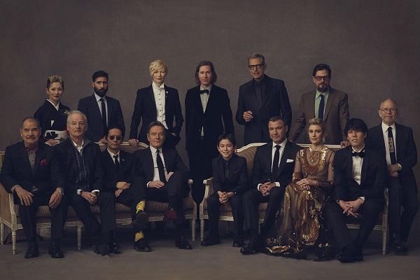 El elenco, y el director.