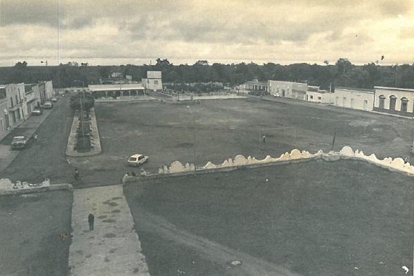 Vista panorámica. Plaza principal. (Tekantó, 1987)