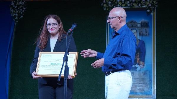 La poeta nicaragüense Magda Bello gana Premio Internacional de ...