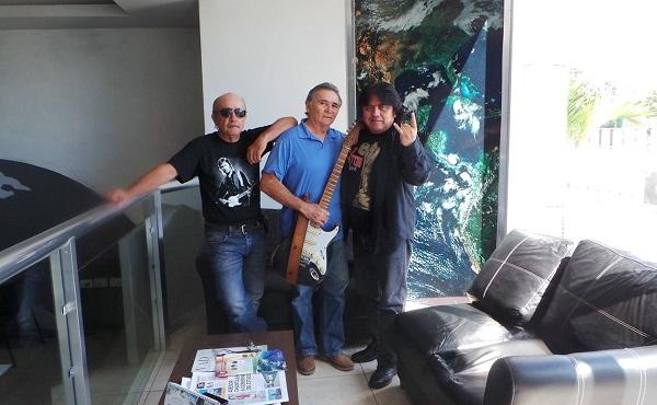 Jorge Cervera, Eric Flota y Ricardo Pat, amigos rocanroleros desde hace muchísimos años.