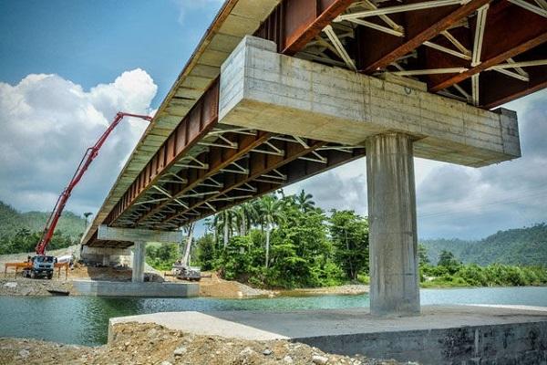 """Puente sobre el Río """"Toa"""""""