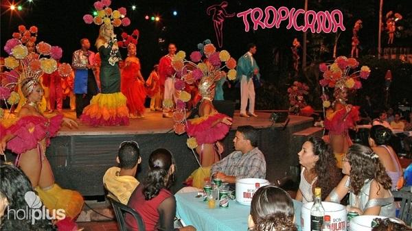 Tropicana de Santiago de Cuba- Cabaret-Show Espectáculo multicolor y variado para el público.