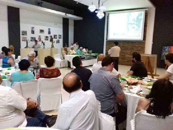 Aspecto de la concurrencia en la disertación del maestro Luis Alvarado Alonzo en la conferencia los mayas y el Popol Vuh.