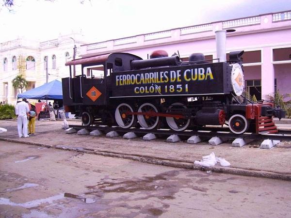 Cuba exhibe con orgullo estos museos rodantes.